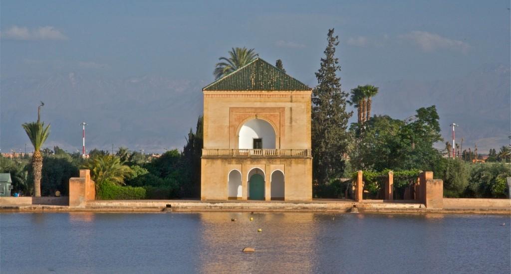 Pavillion und Basin in den Menara-Gärten